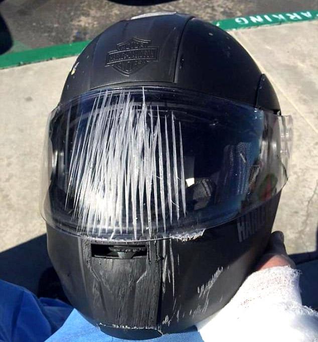 kính chắn gió bảo vệ